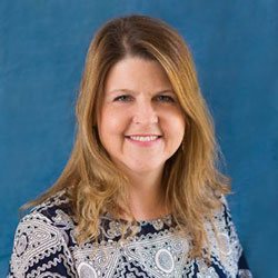 Headshot of Dee Kohloff